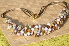 nature-themed, paper bead necklace DIY