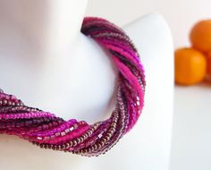 Raspberry Seed Beaded Necklace Fuschia Twisted by FortyfourOranges #diy #kolye #necklace