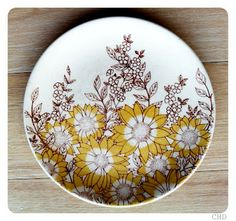 Crown Lynn- pattern? Stoneware, Decorative Plates, Pottery, Crown, Crafty, Tableware, Collections, China, Design
