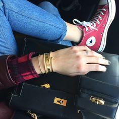 #ChiaraFerragni Chiara Ferragni: Converse + Hermes Kelly bag + @nialayajewelry bracelet = ❤️ #TheBlondeSaladNeverStops #Nialaya