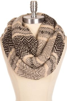 Versatile chunky knit scarf in this beautiful classic fair isle pattern. Very soft, light and warm. Knitting Accessories, Winter Accessories, Double Knitting, Hand Knitting, Chunky Knit Scarves, Fair Isle Knitting, How To Purl Knit, Estilo Boho, Knit Cowl