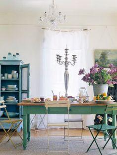 Heir and Space: Green farm tables