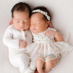 Ideas For Fashion Kids Twins Children Cool Baby, Cute Baby Boy, Cute Baby Girl Images, Cute Baby Pictures, Cute Babies, Baby Kids, Baby Images, Baby Baby, Reborn Baby Girl