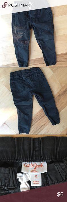 Cat & Jack Black Skinny Pants 2T Good used condition Cat & Jack Black Pants.  Size 2T  Bundle to save! Cat & Jack Bottoms