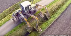 Mowing ditch banks with a Claas Xerion 3300 VC ''Octopus'' equipped with four Herder Grenadier MBK LSH mowing booms from contractor Hack from Kruisland, The Modern Agriculture, Welding Tips, Classic Tractor, Heavy Machinery, Heavy Equipment, Pretty Cool, Octopus, Monster Trucks, The Americans