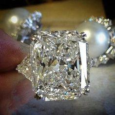 The New White Topaz Jewelry Bague Peridot Gemstone Gold Wedding diamond Ring for Women Certificate Topaz Jewelry, Diamond Jewelry, Pretty Rings, Beautiful Rings, Diamond Wedding Rings, Gold Wedding, Diamond Rings, Or Rose, Fine Jewelry