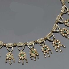 Vintage Indian emerald and seed pearl fringe necklace Sterling Jewelry, Pearl Jewelry, Wedding Jewelry, Diamond Jewelry, Antique Jewelry, Beaded Jewelry, Vintage Jewelry, Silver Jewelry, Handmade Jewellery