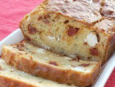 Cake chorizo, feta, tomates séchées, origan : la recette facile No Salt Recipes, Pizza Recipes, Cake Feta, Cake Sans Gluten, Crepe Cake, Flan, Finger Foods, Banana Bread, Entrees