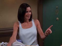 Friends Episodes, Friends Cast, Friends Moments, Friends Season, Friends Series, Friends Tv Show, Monica Hairstyles, Monica Friends, Medium Hair Styles