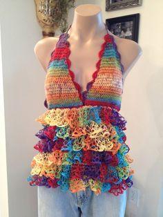 Good idea for that ruffle yarn Crochet Ruffle, Crochet Halter Tops, Crochet Blouse, Crochet Shawl, Hand Crochet, Ruffle Yarn Projects, Sashay Yarn Projects, Crochet Woman, Crochet Crafts