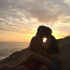 this is luv love couple sunset Relationship Goals Pictures, Cute Relationships, Ft Tumblr, The Love Club, Teen Romance, Couple Aesthetic, Cute Couples Goals, Couple Goals Teenagers, Teen Couple Pictures