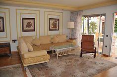 Das gemütliche Wohnzimmer verfügt über SAT-TV mit allen deutschen Programmen, Hi-Fi Stereoanlage mit DVD-Player und einer Essecke für 4 Personen.