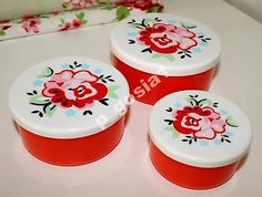 Beautiful vintage plastics container set
