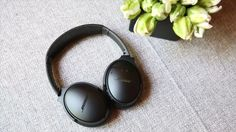 Bose's noise-canceling headphone now comes in a wireless Bluetooth version and it's the little things -- not just the sound -- that make it top notch.