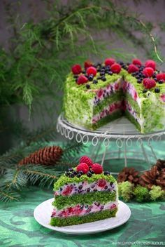 Puzzle Green moss cake with fruits - online jigsaw puzzle games. Jigsaw puzzles, puzzle games for kids. Play free jigsaw puzzle Green moss cake with fruits. Fancy Desserts, Fancy Cakes, Healthy Desserts, Sweet Recipes, Cake Recipes, Dessert Recipes, Food Cakes, Cupcake Cakes, Moss Cake