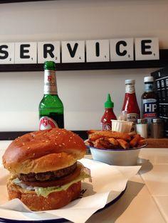 Restaurant Wally in Nijmegen // best burgers in town Restaurant, Milkshake, Burgers, Hamburger, Dutch, Vegetarian, Retail, Places, Ethnic Recipes