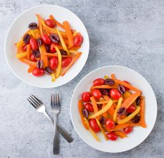 Bell Pepper Salad is a summer staple! It's a must-have for all your summer picnics and grill outs. Whip it up in just a few short minutes. Easy Summer Salads, Summer Salad Recipes, Healthy Salad Recipes, Bell Pepper Salad, Main Dish Salads, Dinner Salads, Oven Roasted Chicken, Roasted Sweet Potatoes