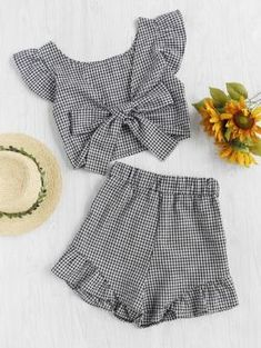 Shop Gingham Frill Trim Bow Tie Back Top With Shorts online. SheIn offers Gingham Frill Trim Bow Tie Back Top With Shorts & more to fit your fashionable needs. Cute Summer Outfits, Kids Outfits, Cute Outfits, Casual Outfits, School Outfits, Summer Clothes, Teen Fashion, Fashion Outfits, Miami Fashion