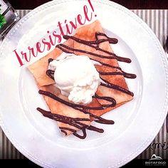 Para tudo! Esse crepe de chocolate belga com sorvete de tapioca da Amelie Creperie está irresistível! 😍 Aproveita a passadinha aqui no shopping e experimente essa delícia!  👉 Visite a Amélie Creperie no 3° Piso 👈 #Phones #Computers#Electronics #Fashion #Beauty #Health
