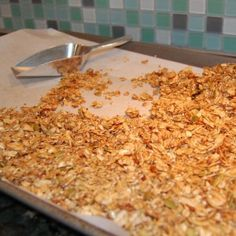 Home made granola cereal + easy baking tip - bake the granola at 375 for 10 minutes, then turn the oven off and let the granola sit overnight. Super easy, uses less energy and the granola comes out perfect every time. Granola Cereal, Granola Bars, Cereal Bars, Crunchy Granola, Cookies Receta, Whole Food Recipes, Cooking Recipes, Drink Recipes, Cooking Tips