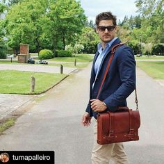 #Repost @tumapalleiro with @repostapp ・・・ #Annoni #AnnoniBags #BuenosAires #Argentina #NotebookBriefcase
