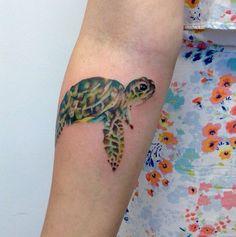 Watercolor turtle Forearm tattoo Artist : Adrienne haberl Instagram : @adriennehaberl