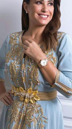 Caftan Paris 2019 - Boutique Vente Takchita De Luxe Oriental Dress, Oriental Fashion, Morrocan Fashion, Kaftan Moroccan, Arabic Dress, Caftan Dress, Hijab Dress, Traditional Dresses, Couture Fashion