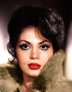 Türkan Şoray Celebrity Stars, Cinema Actress, Aesthetic People, Turkish Beauty, Beautiful Lips, White Aesthetic, Turkish Actors, Female Portrait, Vintage Beauty