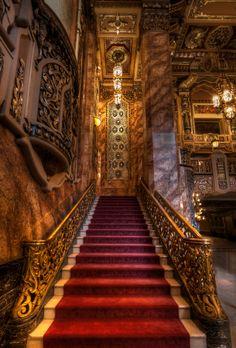 Chicago Architecture : Staircase At Oriental Theater Baroque Architecture, Beautiful Architecture, Architecture Design, Theater Architecture, Grand Staircase, Staircase Design, Oriental Theater Chicago, Grande Cage D'escalier, Chicago Photos