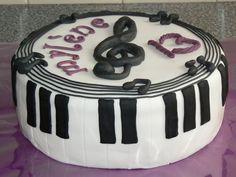 keyboard taart Verrassing voor mijn hartvriendin : )   Mijn Taarten & Cupcakes  keyboard taart
