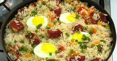 Originário do Rio Grande do Sul, este prato foi inventado pelos carreteiros que aproveitavam as sobras do churrasco para comer com arroz....