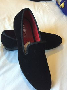 Men DAVUCCI handmade plain black velvet slippers by Davucci