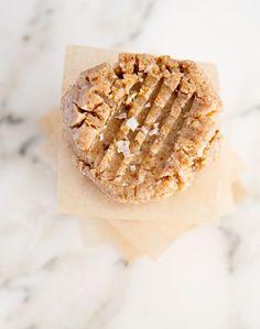 raw, vegan, salted peanut buttercookies