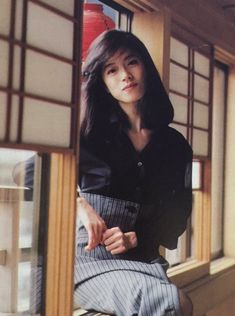 Japanese Culture, Japanese Girl, Japan Fashion, 90s Fashion, Asian Woman, Asian Girl, 1950s Dress Patterns, Asian Actors, Beautiful Asian Women