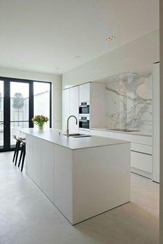The kitchen that is top-notch white kitchen , modern kitchen , kitchen design ideas! Kitchen Room Design, Modern Kitchen Design, Home Decor Kitchen, Interior Design Kitchen, Kitchen Living, Diy Kitchen, Kitchen Furniture, Home Kitchens, Kitchen Ideas