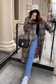 15 Chic Ways to Wear the Athleisure Trend Outfitting Ideas Winter Outfits Athleisure chic Ideas Outfitting trend Ways Wear Casual Winter Outfits, Winter Fashion Outfits, Look Fashion, Autumn Winter Fashion, Spring Outfits, Trendy Outfits, Womens Fashion, Daily Fashion, Autumn Style