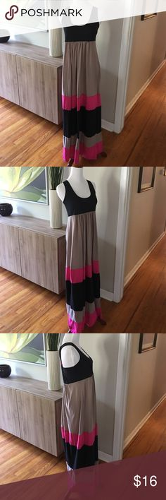 Black and pink maxi dress size medium Black and pink maxi dress size medium Signature Studio Dresses Maxi