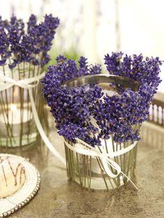Lavendel duftet herrlich und man kann toll damit dekorieren.