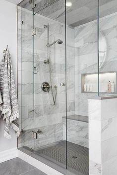 Bathroom Goals: 10 Amazing Minimal Bathrooms 2019 Minimal bathroom design The post Bathroom Goals: 10 Amazing Minimal Bathrooms 2019 appeared first on Bathroom Diy. Master Bathroom Shower, Minimal Bathroom, Bathtub Shower, Bathroom Mirrors, Bathroom Bin, Mosaic Bathroom, Brown Bathroom, Bathroom Showers, Gold Bathroom