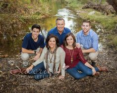 What to wear for family portraits.  Poses for families with teens        Savoring The Sweet Life: McDonnell Family: San Diego Outdoor and Beach Family Photographer Family Pictures What To Wear, Teenage Family Photos, Family Portraits What To Wear, Family Pics, Family Portrait Poses, Large Family Photos, Family Picture Poses, Fall Family Photos, Family Posing