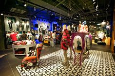 Check out the Desigual Store at Brussels Airport