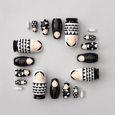 épinglé par ❃❀CM❁✿Nesting dolls! We love this family! Welcome back, after a long trip:-) www.suzyb.nu