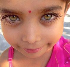 kumikosayuri: Two lovely eyes. Music… sunrise In two lovely eyes. A child's soul. Beautiful Eyes Color, Stunning Eyes, Gorgeous Eyes, Pretty Eyes, Cool Eyes, Amazing Eyes, Beautiful Beautiful, Beautiful Children, Beautiful Babies