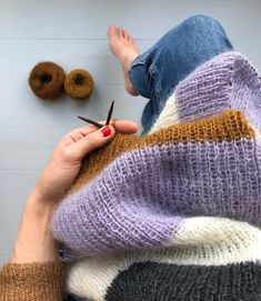 Knitting patterns for both adults and children in Danish, Norwegian, Swedish, English, German and French. Sweater Knitting Patterns, Easy Knitting, Knitting Ideas, Owl Hat, String Bag, Knitted Bags, Knitwear, Knit Crochet, Danish