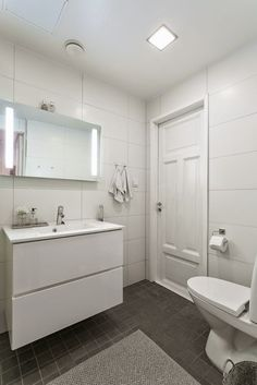 Exterior Design, Interior And Exterior, Modern Condo, 1930s House, Bathroom Pictures, Bathroom Toilets, Wooden House, Beautiful Bathrooms, Sweet Home