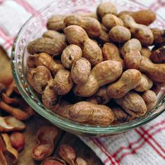 Boiled Peanuts from @NevrEnoughThyme http://www.lanascooking.com/2009/11/16/boiled-peanuts/ #peanuts #southern #vintage