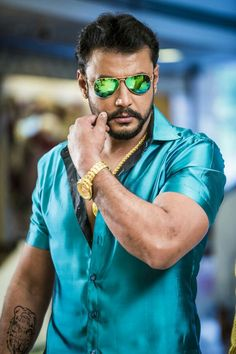 Mens Hottest Fashion, Mens Fashion, Celebrity Wallpapers, Celebrity Photos, Hd Photos Free Download, Ganesh Chaturthi Images, Latino Men, Satin Shirt, Actor Photo