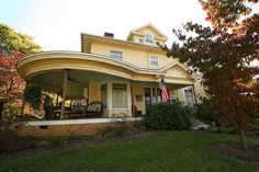 White County, IL  Queen Anne with Italianate touches by Black.Doll, via Flickr