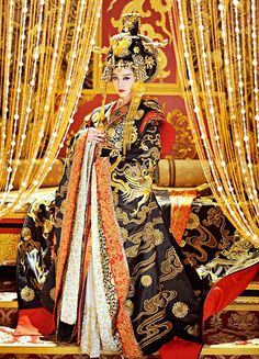 Costume - Fan Bingbing in 'The Empress of China' (2014)