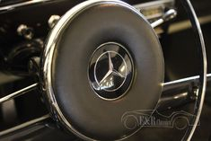 Buying a Classic Car? Mercedes Benz cars for sale. Take a look at this Mercedes Benz classic car and contact us to buy an authentic Mercedes Benz oldtimer! Mercedes Benz 190, Mercedes Benz Models, Classic Mercedes, Cars For Sale, Classic Cars, German, Deutsch, Cars For Sell, German Language